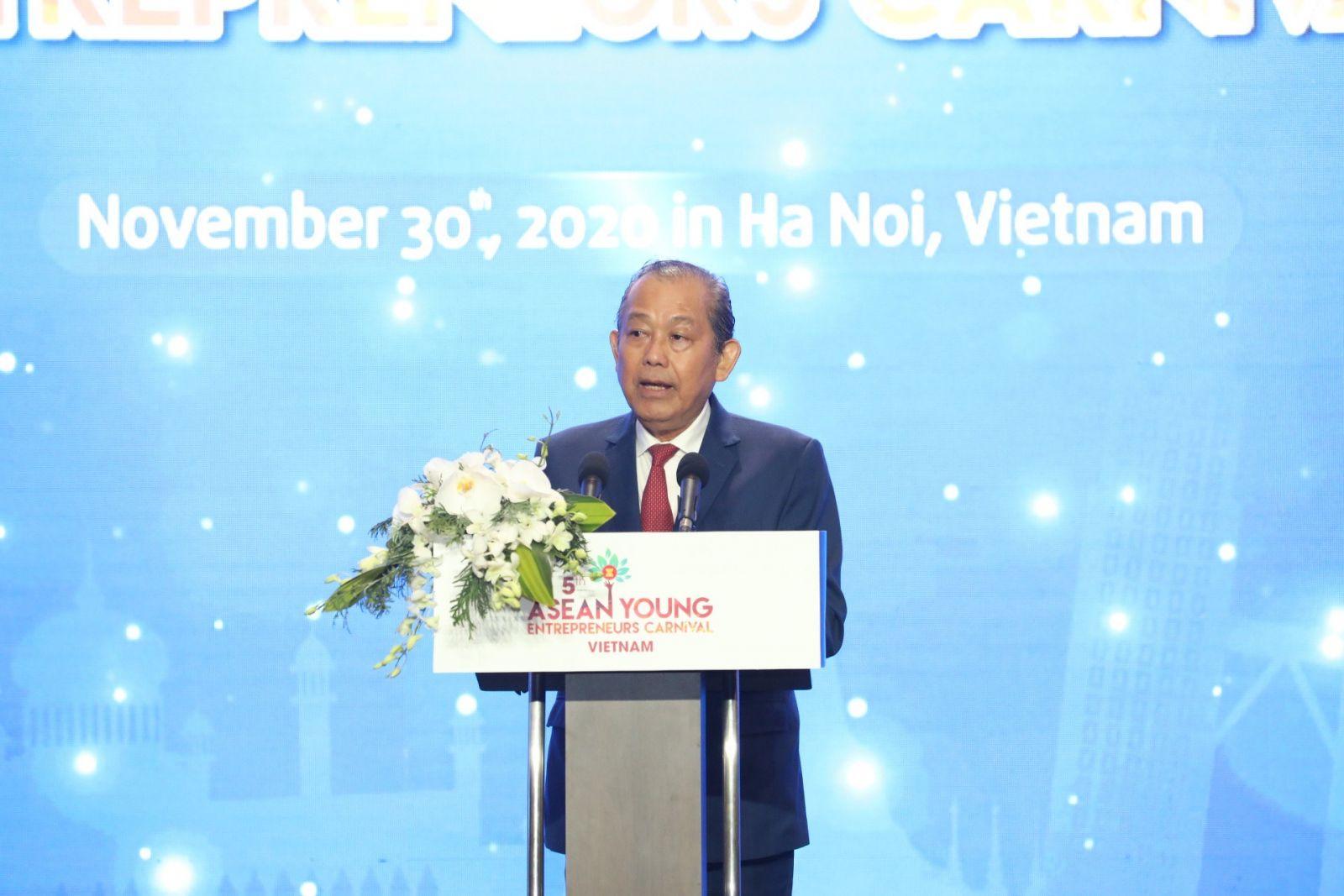 Phó Thủ tướng Thường trực Chính phủ Trương Hòa Bình phát biểu tại Diễn đàn - Ảnh: VGP/Lê Sơn