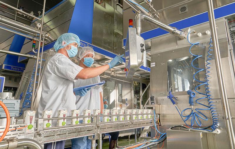 Công ty TNHH Chế biến dừa Lương Quới quan tâm đổi mới công nghệ.