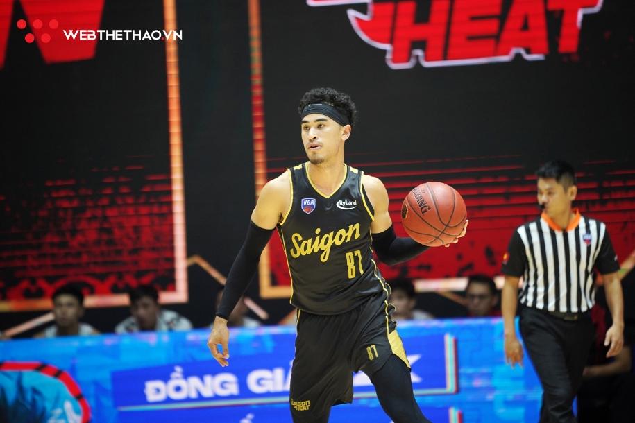 Một lần nữa Juzang thể hiện dấu ấn đậm nét trong lối chơi của Heat. Ảnh: Việt Long