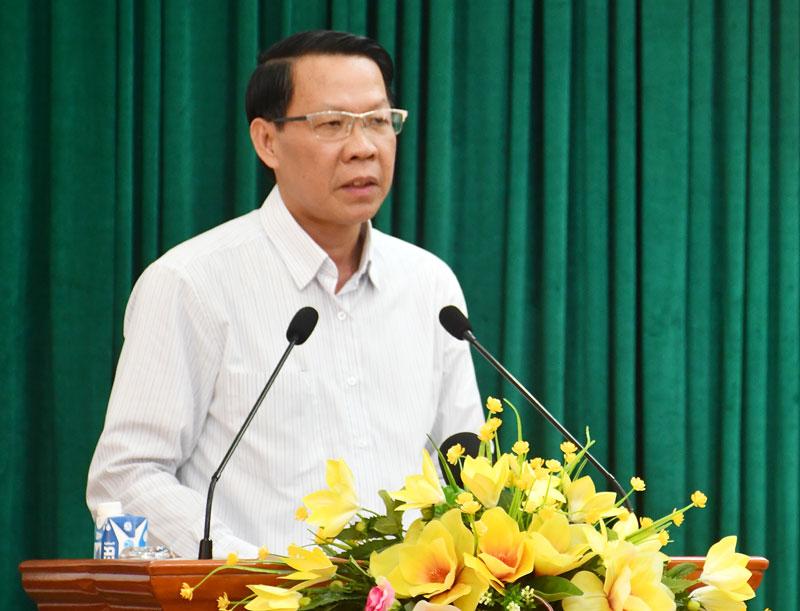 Bí thư Tỉnh ủy Phan Văn Mãi phát biểu bế mạc hội nghị.