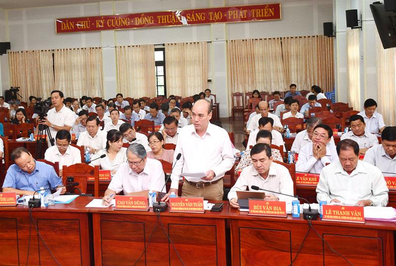 Bí thư Thành ủy Nguyễn Văn Tuấn phát biểu tại hội trường. Ảnh: Hữu Hiệp