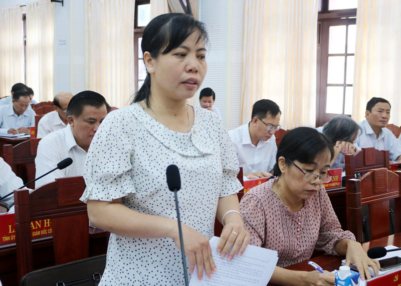 Giám đốc Sở Nội vụ Nguyễn Thị Ngọc Giàu phát biểu tại hội trường. Ảnh: Phan Hân