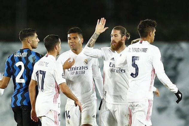 Các cầu thủ Real Madrid đã họp kín sau trận thua Shakhtar Donetsk ở Champions League
