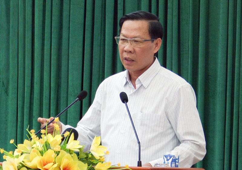 Bí thư Tỉnh ủy Phan Văn Mãi phát biểu bế mạc hội nghị. Ảnh: Trọng Ân