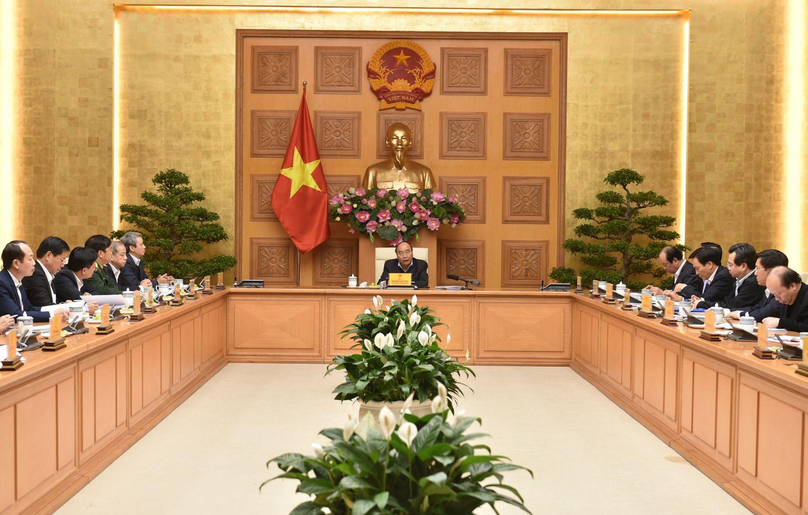 Thủ tướng làm việc với lãnh đạo tỉnh Thừa Thiên - Huế ngày 17-12-2020. Ảnh: VGP/Quang Hiếu