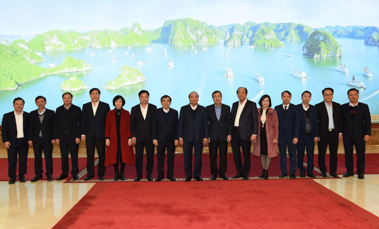 Thủ tướng làm việc với lãnh đạo tỉnh Thái Bình ngày 16-12-2020. Ảnh: VGP/Quang Hiếu