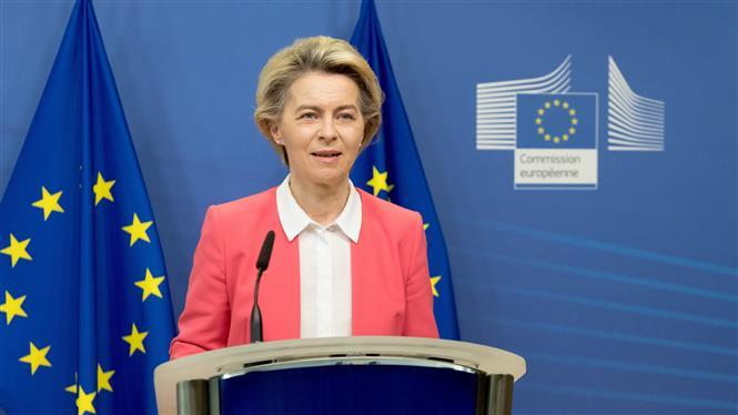 Chủ tịch Ủy ban châu Âu (EC) Ursula von der Leyen phát biểu tại Brussels, Bỉ. Ảnh: THX/TTXVN