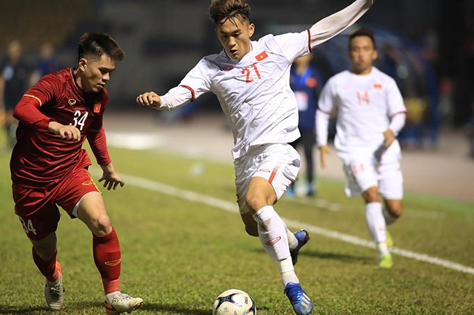 ĐT Việt Nam và U22 Việt Nam đã tạo ra một trận đấu hấp dẫn.