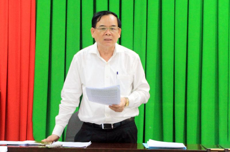 Chủ tịch UBND tỉnh Trần Ngọc Tam chủ trì cuộc họp. Ảnh: Huyền Trang.
