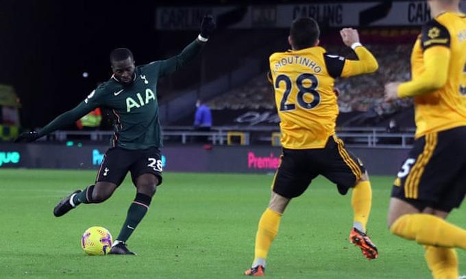 Ndombele mở tỷ số ngay phút thi đấu đầu tiên