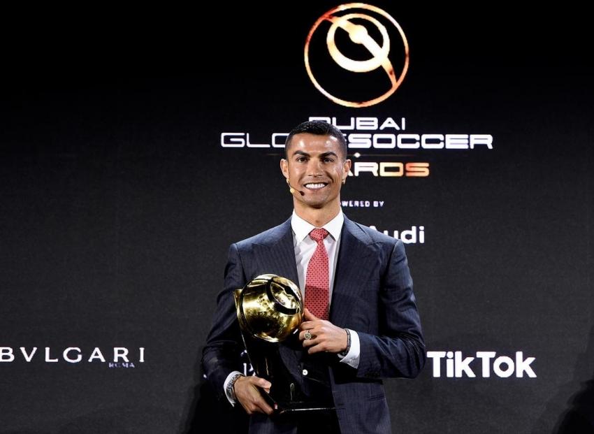 """Ronaldo nhận giải """"Cầu thủ hay nhất thế kỷ"""""""