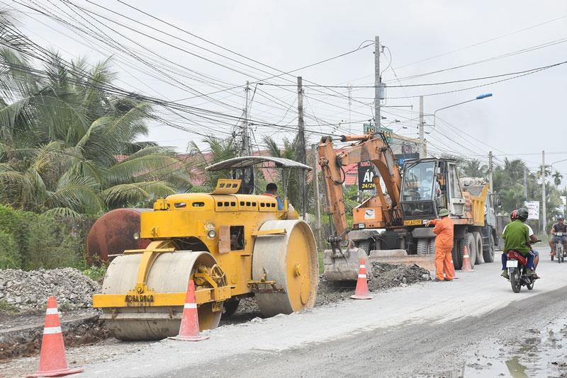 Sửa chữa nâng cấp tuyến quốc lộ 57, đoạn Mỏ Cày Nam.