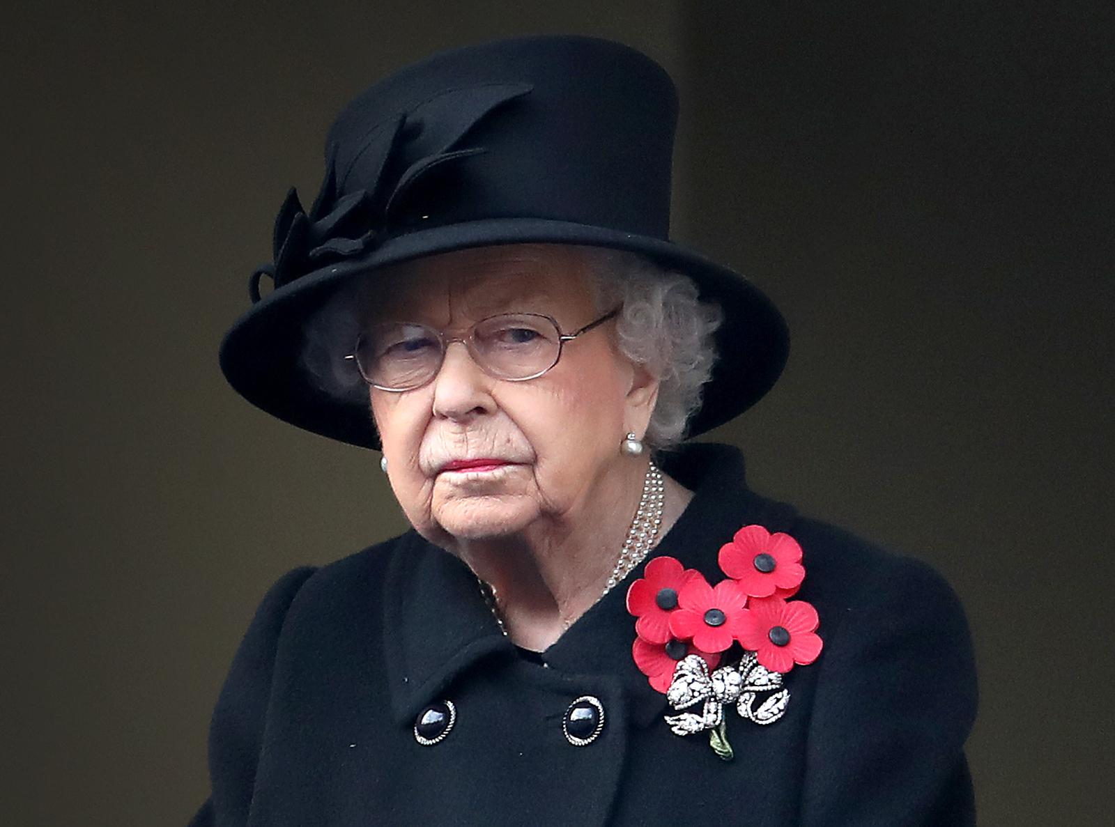 Nữ hoàng Anh Elizabeth II đã được tiêm phòng COVID-19. Ảnh: CNN