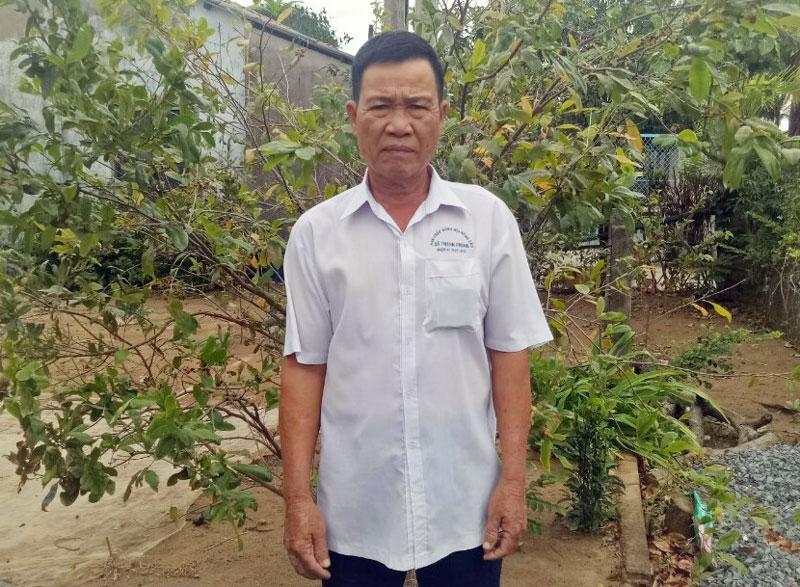 Chi hội trưởng Chi hội Nông dân ấp Thạnh Hòa Trịnh Văn Ngùng