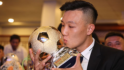 Minh Trí đã có năm đầy đáng nhớ với danh hiệu cao quý Qủa bóng vàng futsal 2020