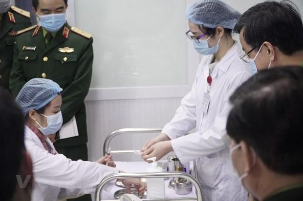 Các khâu chuẩn bị để tiêm thử vắcxin Nano Covax. (Ảnh: Hiếu Hoàng/Vietnam+)
