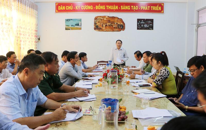 Giám đốc Sở NN&PTNT Đoàn Văn Đảnh phát biểu chủ trì hội nghị.