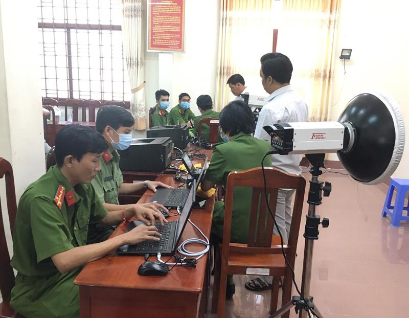 Thu thập thông tin CCCD tại phòng Cảnh sát QLHC về TTXH.