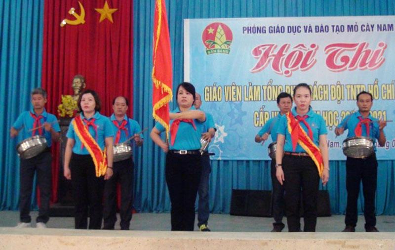 Các giáo viên tổng phụ trách đội trong hội thi. Ảnh Thanh Tuấn