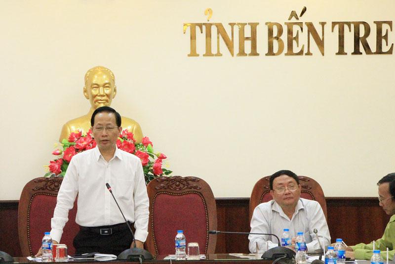 Phó chủ tịch UBND tỉnh Nguyễn Trúc Sơn - Trưởng ban Điều hành Đề án trồng cây tỉnh Bến Tre phát biểu chỉ đạo tại cuộc họp.