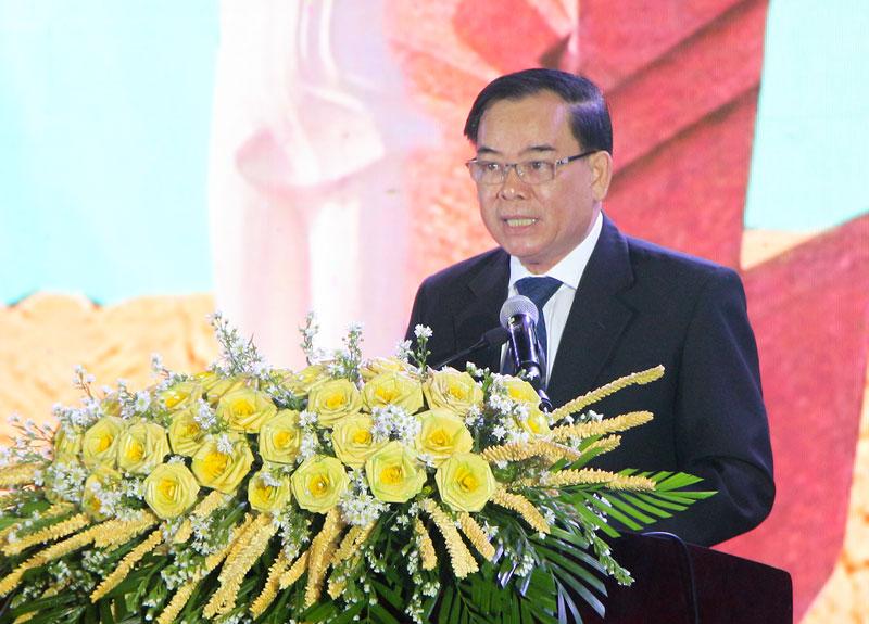Chủ tịch UBND tỉnh Trần Ngọc Tam phát biểu tại buổi lễ. Ảnh: H. Hiệp