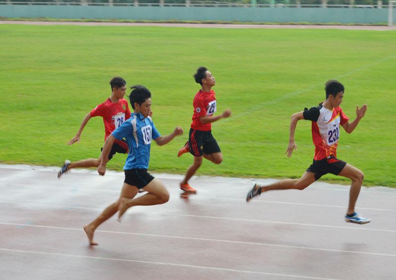 Môn điền kinh là một trong những môn thế mạnh của tỉnh, được quan tâm đưa vào các giải thể thao, trong đó có Hội khỏe Phù Đổng các cấp.