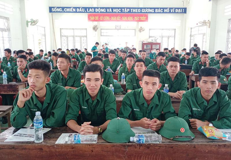 Các quân nhân trưởng thành hơn sau 1 năm được rèn luyện trong môi trường quân ngũ. Ảnh: Ngọc Vũ