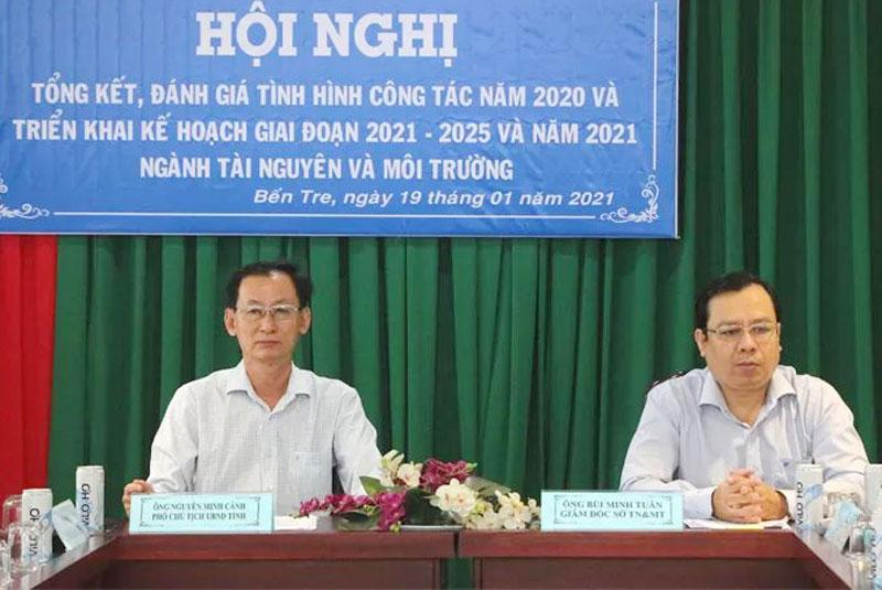 Phó chủ tịch UBND tỉnh Nguyễn Minh Cảnh dự chủ trì hội nghị.