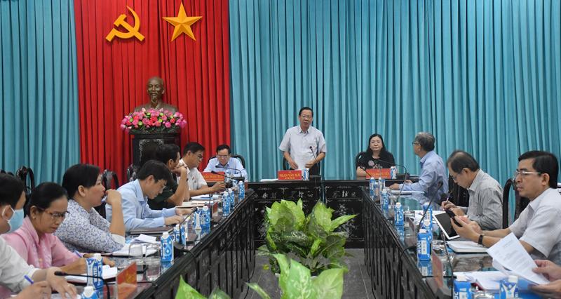 Lãnh đạo tỉnh chủ trì cuộc họp.