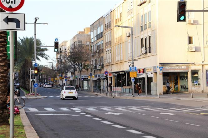 Đường phố Tel Aviv vắng vẻ (ngày 16-1-2021). Ảnh: Vũ Hội-Pv TTXVN tại Israel