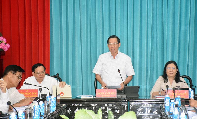 Bí thư Tỉnh ủy Phan Văn Mãi phát biểu chỉ đạo tại hội nghị.