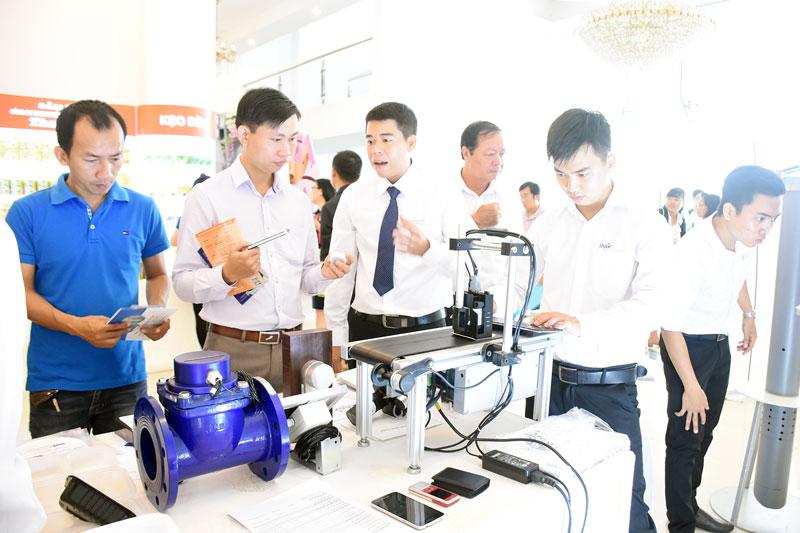 Khuyến khích doanh nghiệp đẩy mạnh ứng dụng công nghệ vào sản xuất.