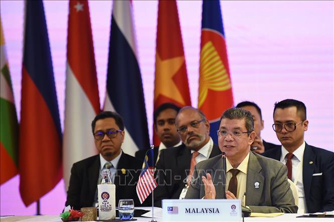 Bộ trưởng Truyền thông và Đa phương tiện Malaysia Saifuddin Abdullah. Ảnh tư liệu: AFP/TTXVN