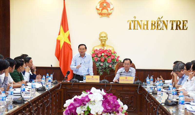 Chủ tịch UBND tỉnh Trần Ngọc Tam phát biểu chỉ đạo công tác ứng phó hạn mặn.