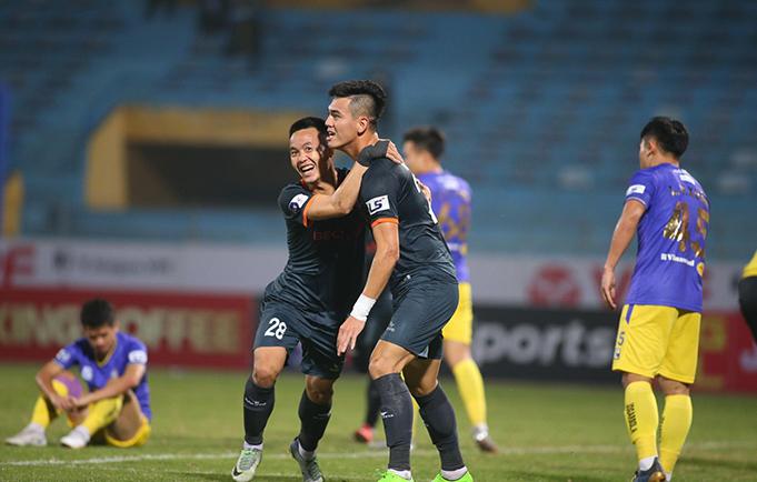 Tiến Linh đã toả sáng với bàn thắng nâng tỷ số lên 2-1.