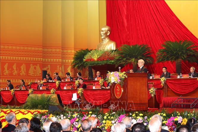 Đồng chí Nguyễn Phú Trọng, Tổng Bí thư Ban Chấp hành Trung ương Đảng, Chủ tịch nước CHXHCN Việt Nam đọc Báo cáo chính trị của Ban Chấp hành Trung ương Đảng khóa XII và các văn kiện trình Đại hội. Ảnh: TTXVN
