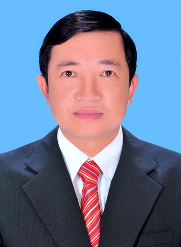 Bí thư Huyện ủy Mỏ Cày Bắc Nguyễn Văn Trung