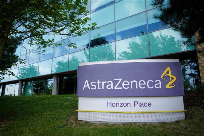 Tòa nhà của hãng dược phẩm AstraZeneca ở Luton, Anh. Ảnh: THX/TTXVN