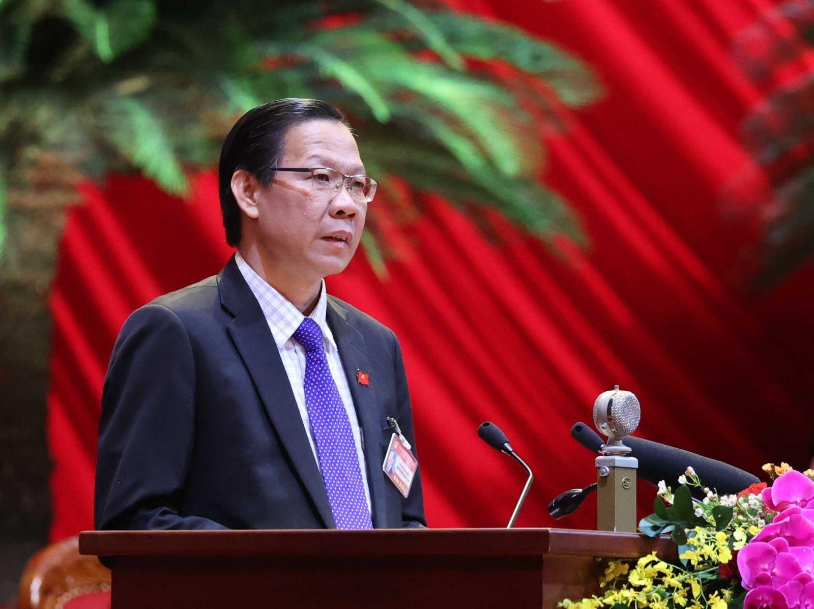 Bí thư Tỉnh ủy Phan Văn Mãi trình bày tham luận tại đại hội. Ảnh: TTXVN