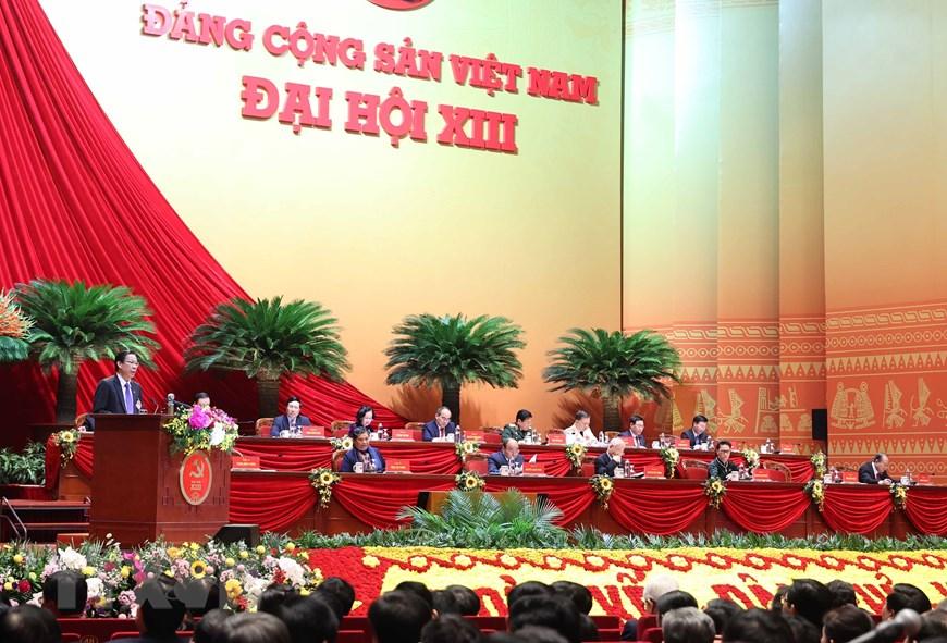 Ông Phan Văn Mãi - Ủy viên Trung ương Đảng, Bí thư Tỉnh ủy Bến Tre trình bày tham luận. Ảnh: TTXVN