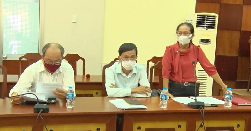 Phó chủ tịch Ủy ban MTTQ Việt Nam tỉnh Đặng Thị Phương phát biểu kết luận buổi làm việc.