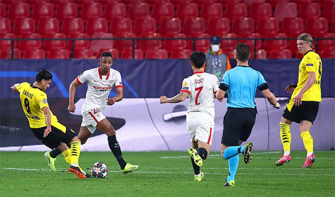 Dahoud gỡ hòa cho Dortmund