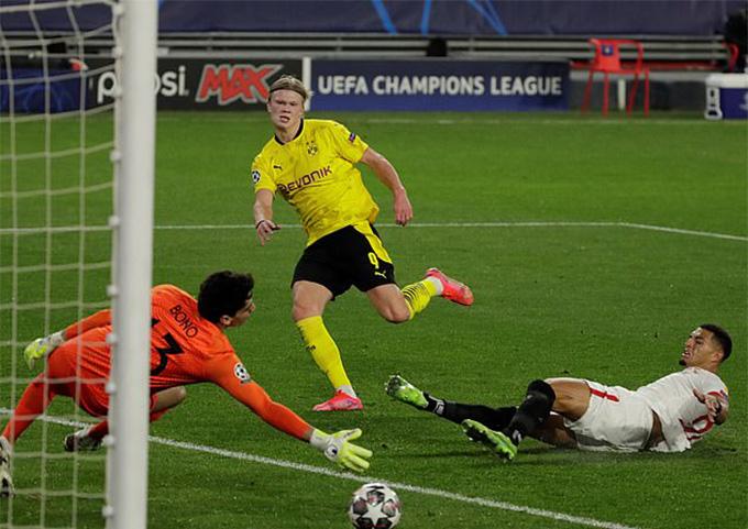 Haaland là cầu thủ hay nhất trận Sevilla vs Dortmund