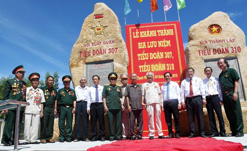 Nguyên Phó thủ tướng Chính phủ Trương Vĩnh Trọng dự lễ khánh thành Bia lưu niệm Tiểu đoàn 307, Tiểu đoàn 310 tại huyện Thạnh Phú năm 2018.