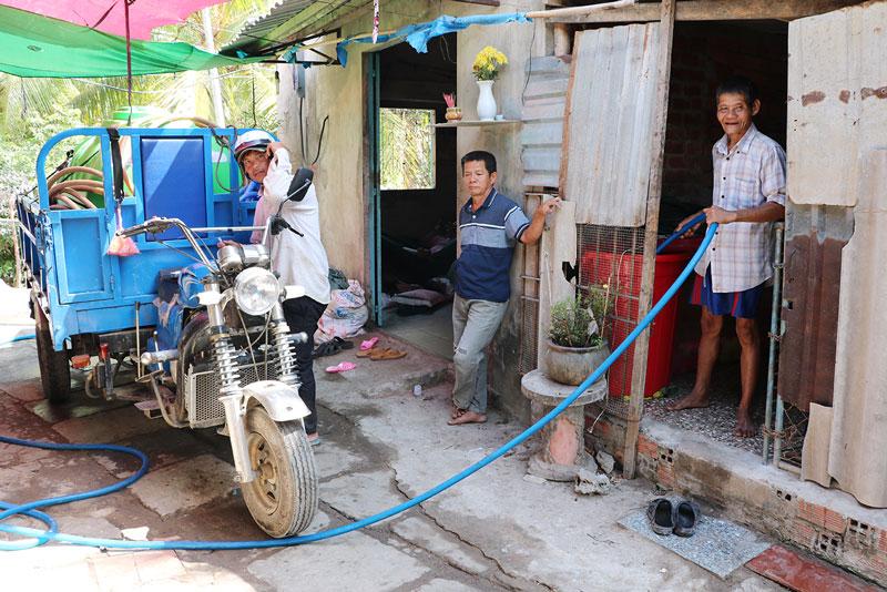 Các chính sách hỗ trợ giúp hộ nghèo neo đơn Nguyễn Văn Mão, huyện Mỏ Cày Nam giảm bớt khó khăn.