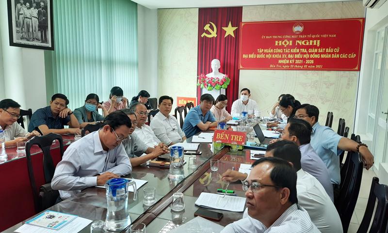 Đại biểu tham dự tại điểm cầu tỉnh Bến Tre