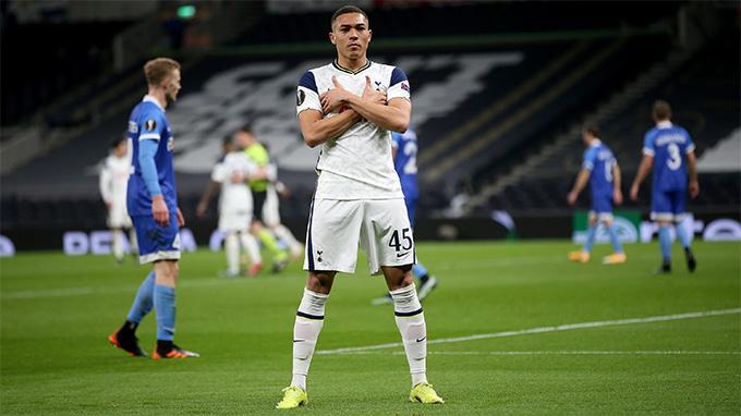 Vinicius tỏa sáng với cú đúp bàn thắng trong hiệp 2