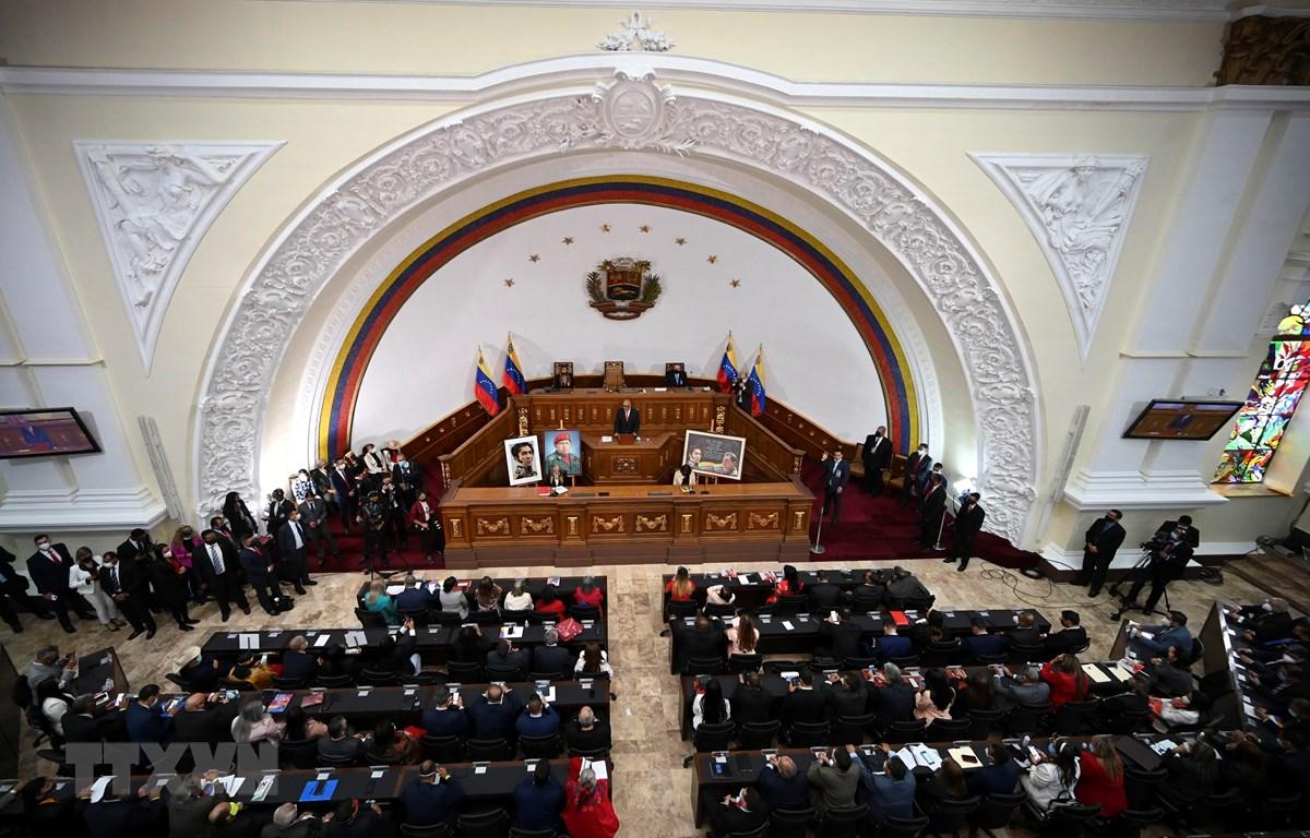 Quang cảnh phiên họp Quốc hội Venezuela ở Caracas ngày 5-1-2021. (Ảnh: AFP/TTXVN)
