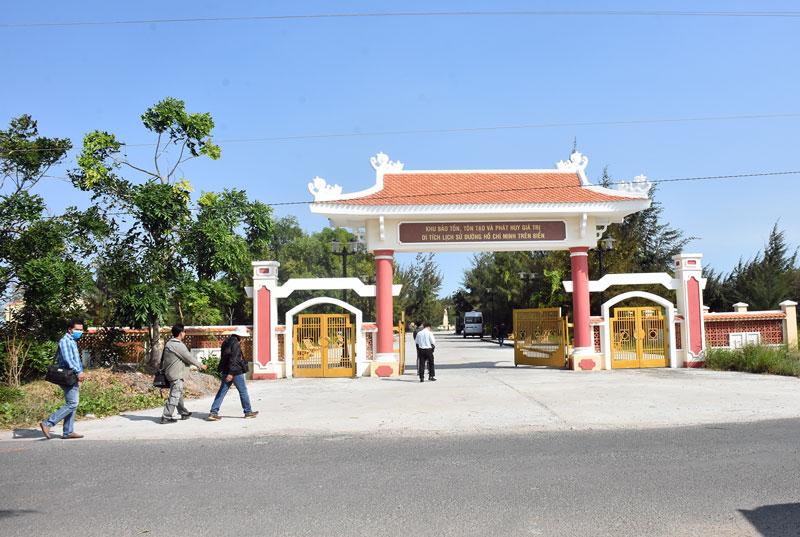 Khu bảo tồn, tôn tạo và phát huy giá trị Di tích đường Hồ Chí Minh trên biển, xã Thạnh Hải, huyện Thạnh Phú.
