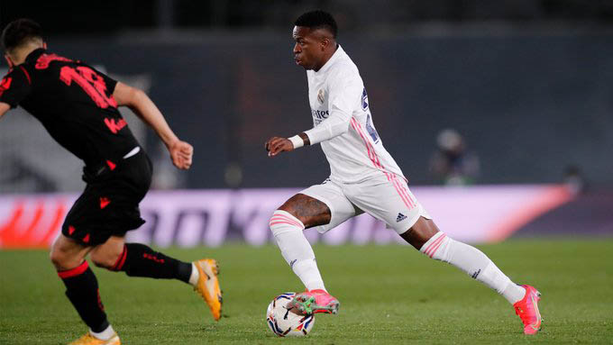 Vinicius ghi bàn gỡ hòa ở trận Real vs Sociedad